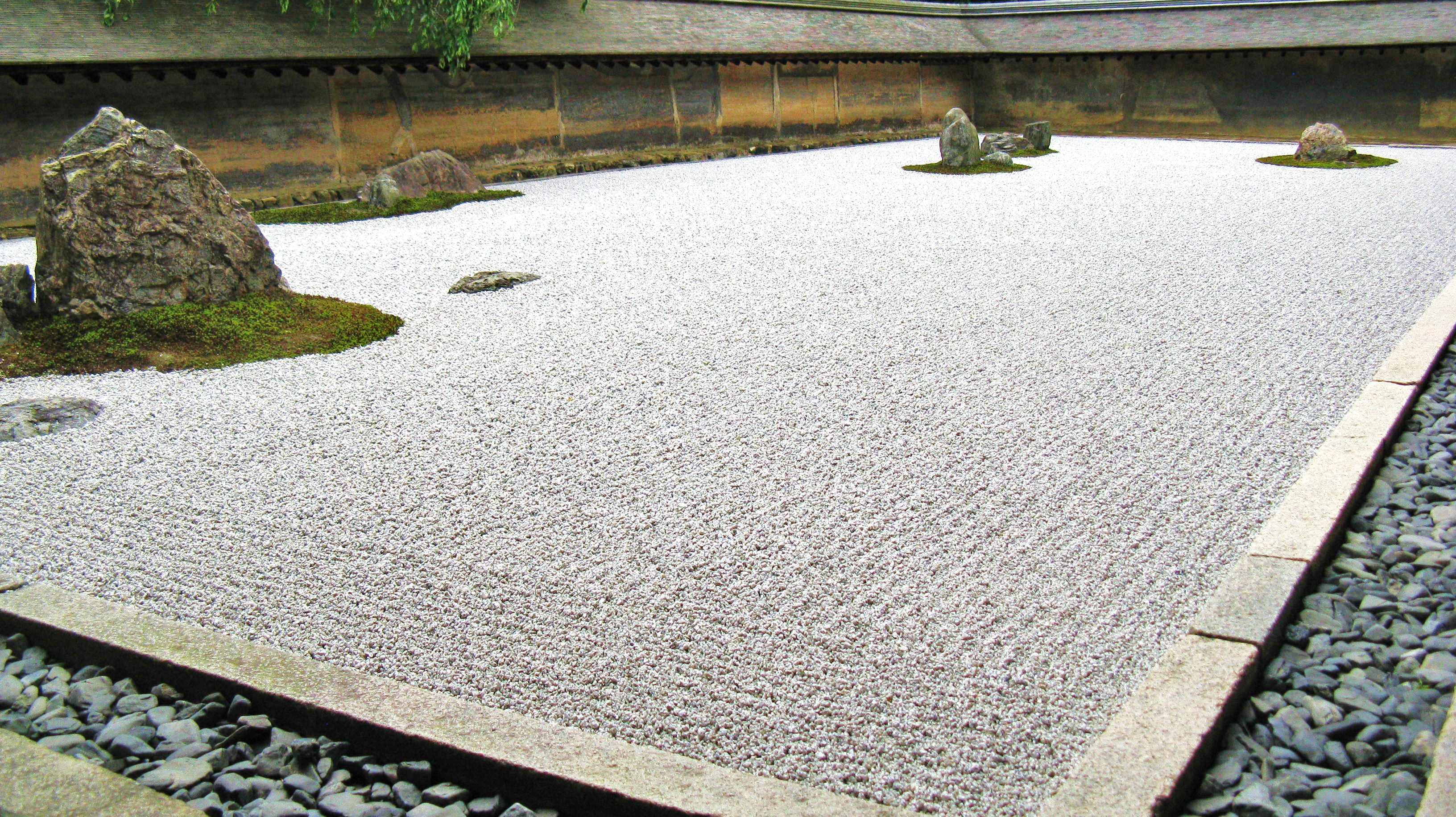 Ryoanji (竜安寺): Kyoto's Iconic Rock Garden Temple. | LetsJapan